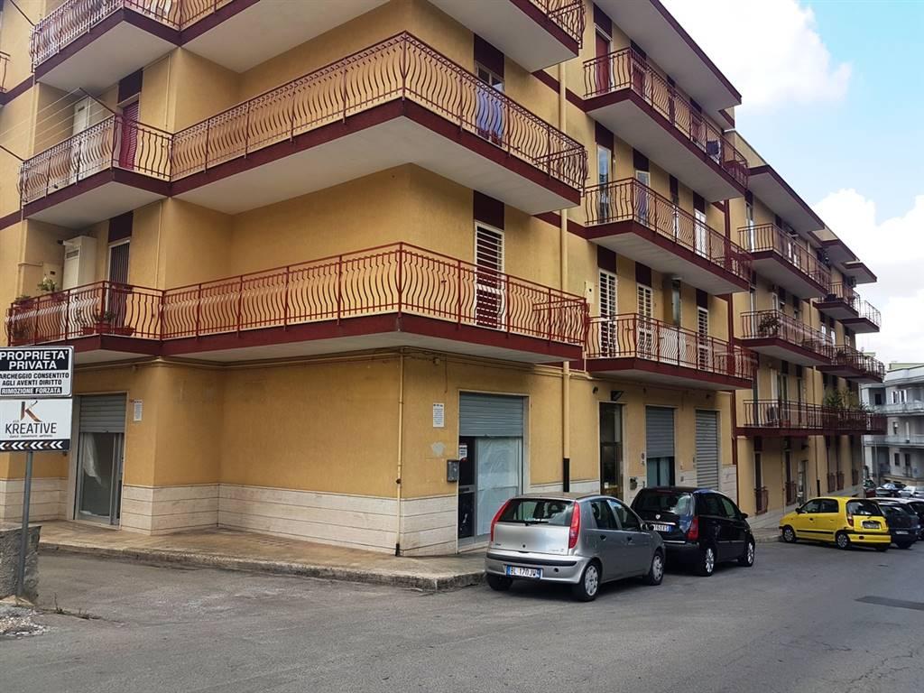 Negozio in Via Massimo D'azeglio 15, Putignano