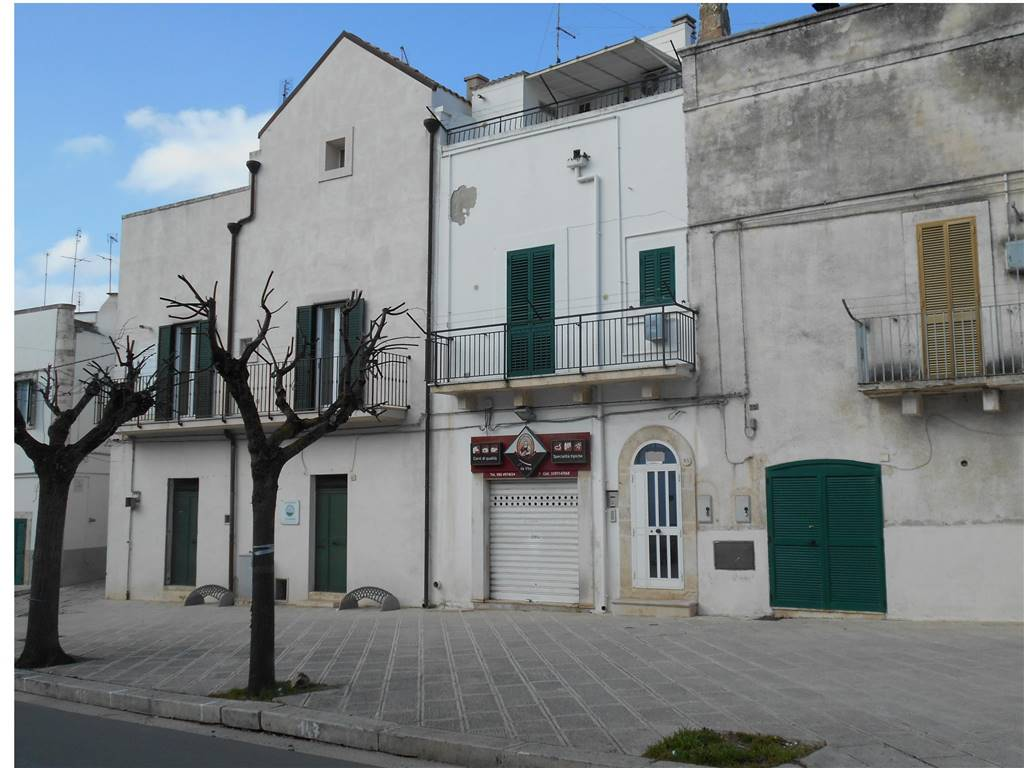 Casa singola in Via Cavour  85, Noci