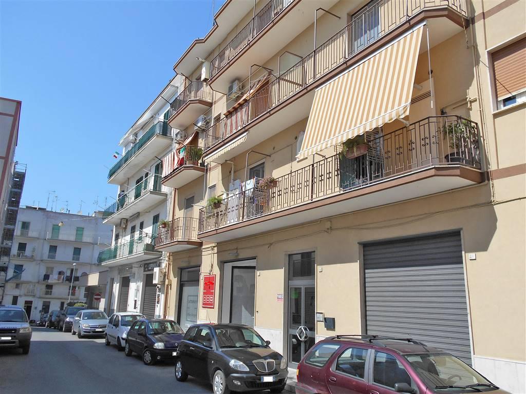 Trilocale in Via Michele Bianchi, Noci