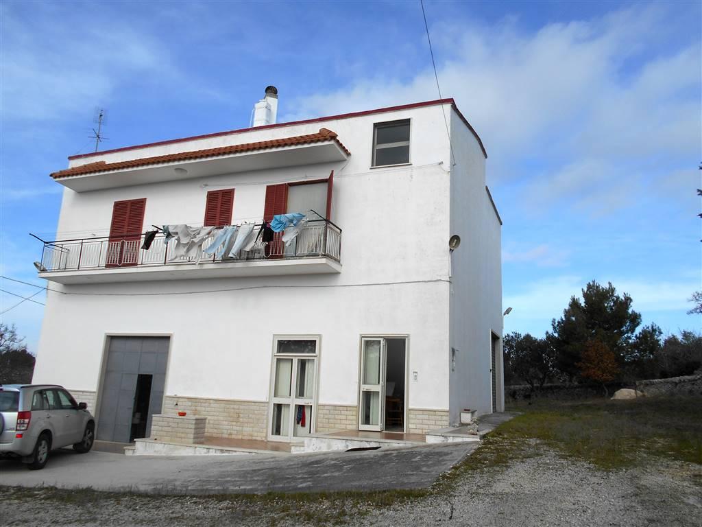 Villino in Montedoro, Noci