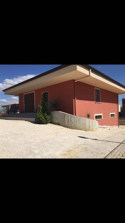 Soluzione Indipendente in vendita a Agrigento, 3 locali, zona feria, prezzo € 250.000 | PortaleAgenzieImmobiliari.it