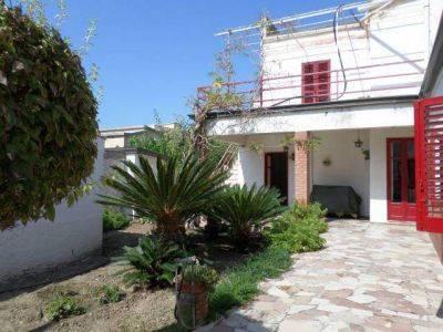 Villa in vendita a Agrigento, 5 locali, zona San Leone, prezzo € 370.000 | PortaleAgenzieImmobiliari.it