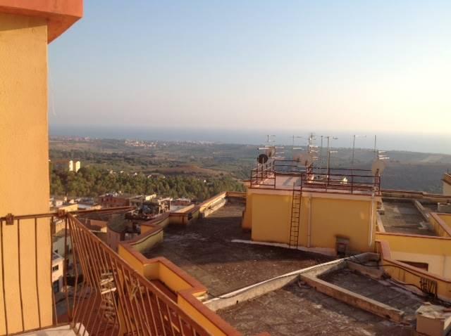 Appartamento in vendita a Agrigento, 4 locali, zona Zona: Centro, prezzo € 83.000 | CambioCasa.it