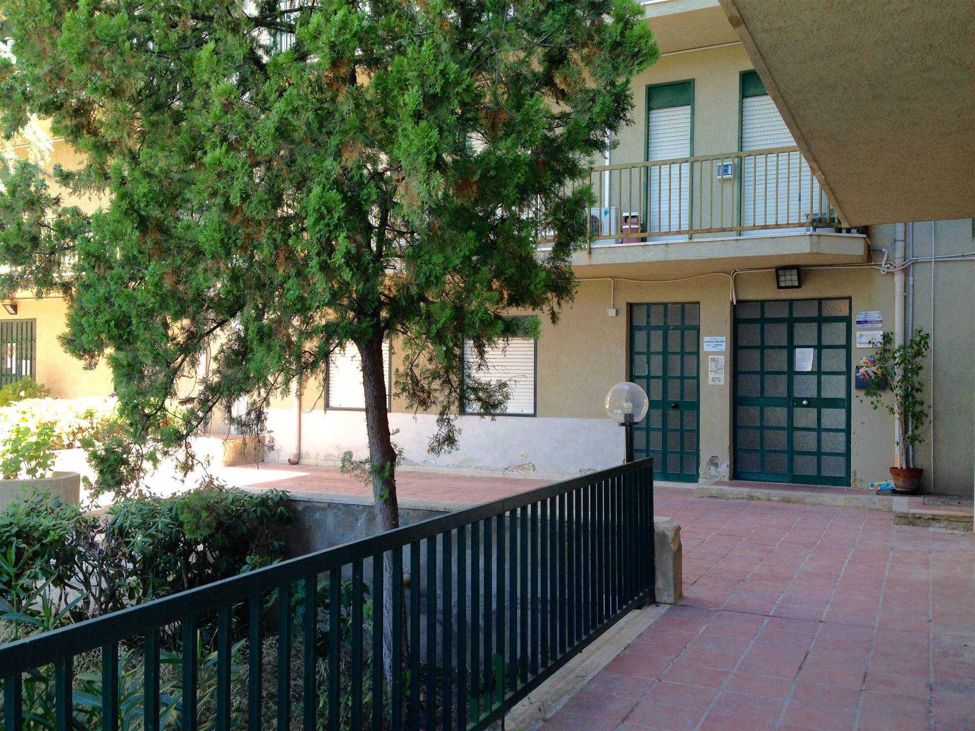 Appartamento in vendita a Agrigento, 4 locali, zona Località: QUADRIVIO SPINASANTA, prezzo € 120.000 | CambioCasa.it