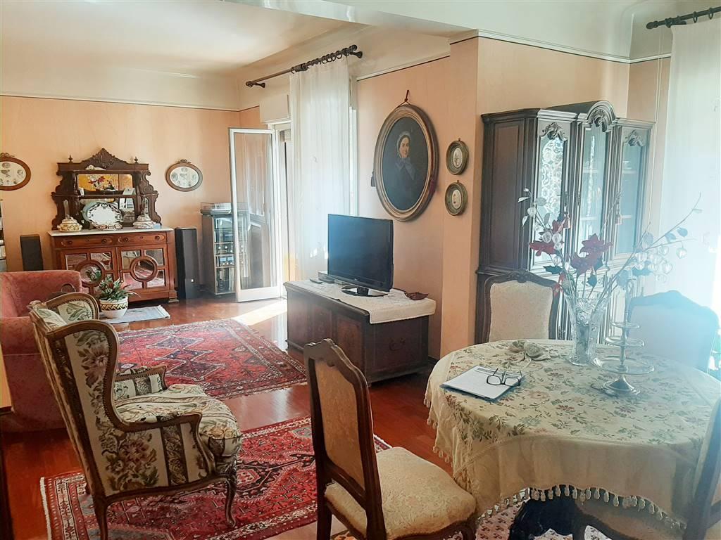 Appartamento in vendita a Agrigento, 6 locali, zona Località: CENTRO CITTÀ, prezzo € 210.000 | CambioCasa.it