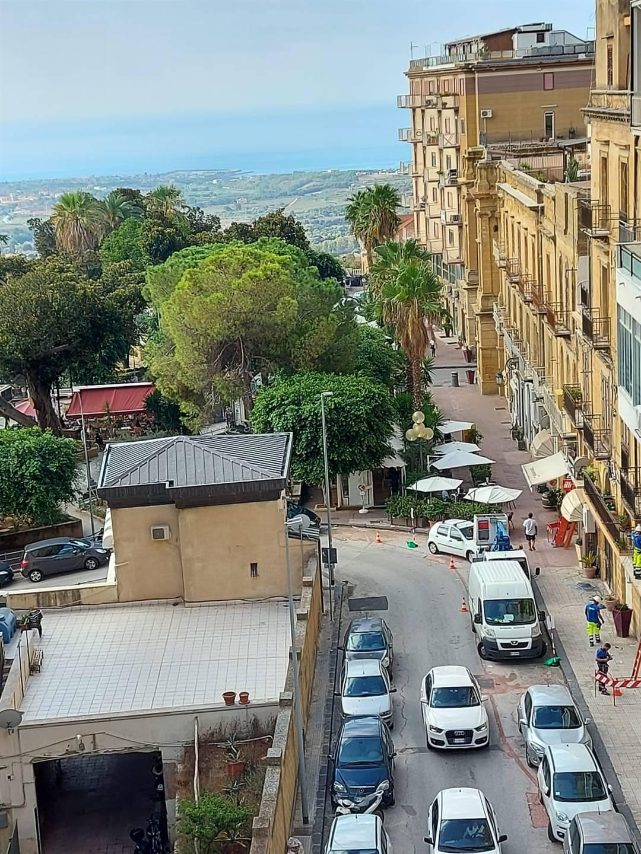 Appartamento in vendita a Agrigento, 4 locali, zona Zona: Centro, prezzo € 250.000 | CambioCasa.it