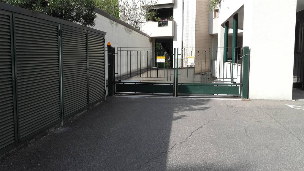 Garage / Parking spaceinLISSONE