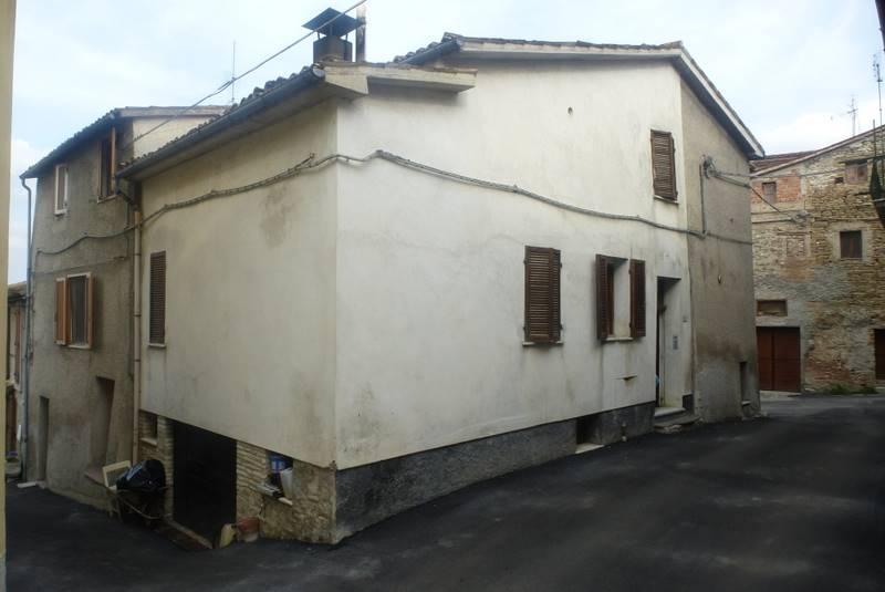 Casa semi indipendente, San Severino Marche, abitabile