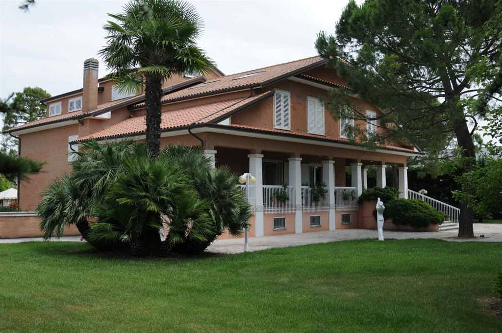 Villa, Morrovalle, in ottime condizioni