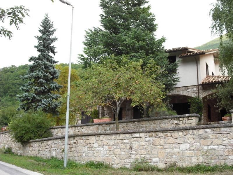 Villa, Sefro, ristrutturata