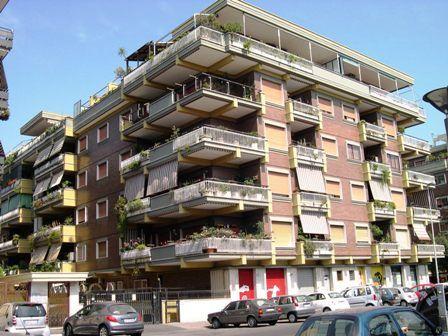 Quadrilocale in Via Mar Rosso 179, Ostia, Roma