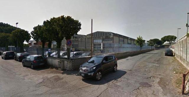 Locale commerciale in Via San Romano In Garfagnana 100, Portuense, Magliana, Roma