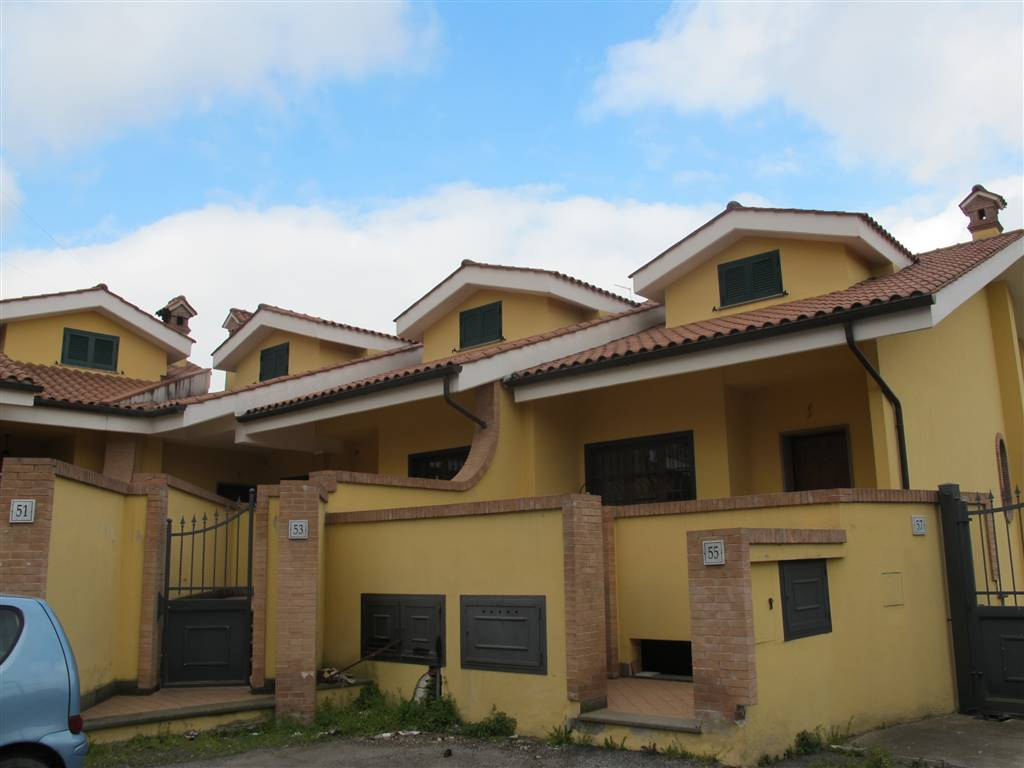 Villa a schiera, Roma, in nuova costruzione