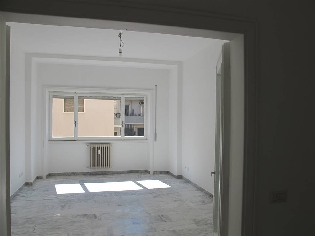 Trilocale in Via Ugo De Carolis  31, Balduina, Trionfale, Montemario, Roma