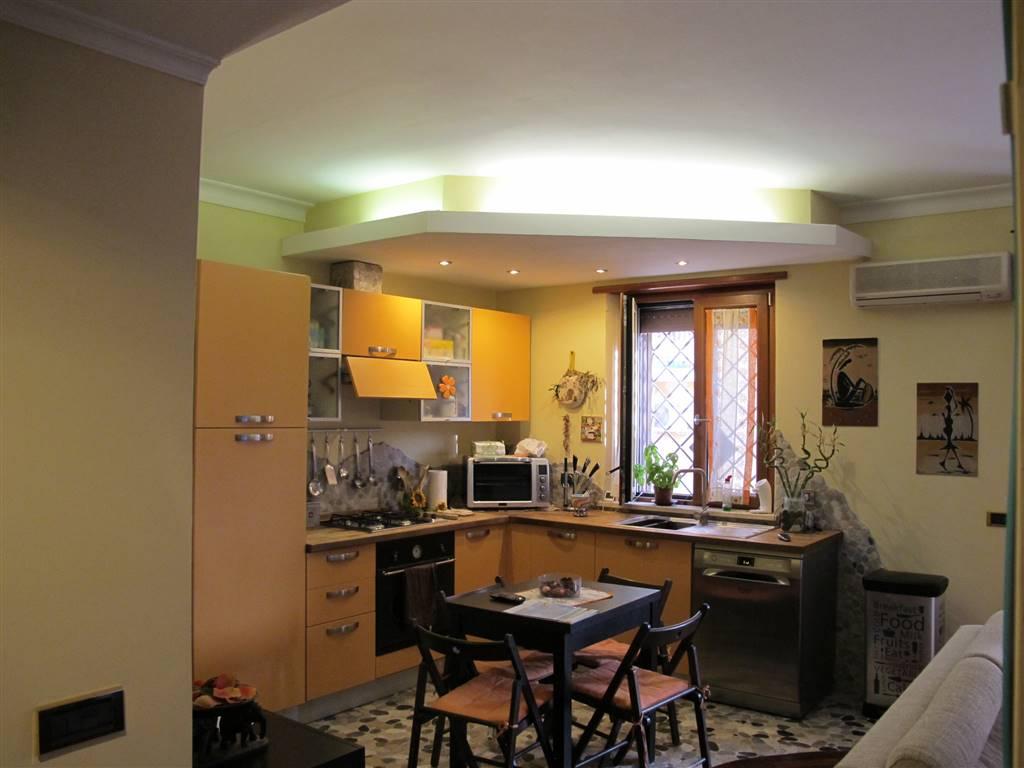 Quadrilocale in Via Delia 21, Roma
