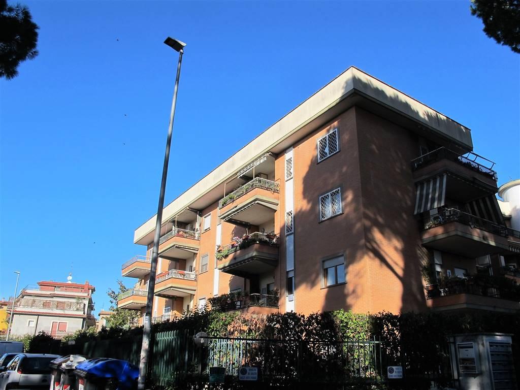 Trilocale in Via Costantiniana  36, Saxarubra, Labaro, Prima Porta, Roma