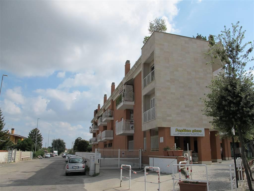 Bilocale in Via Cossombrato 4, Roma
