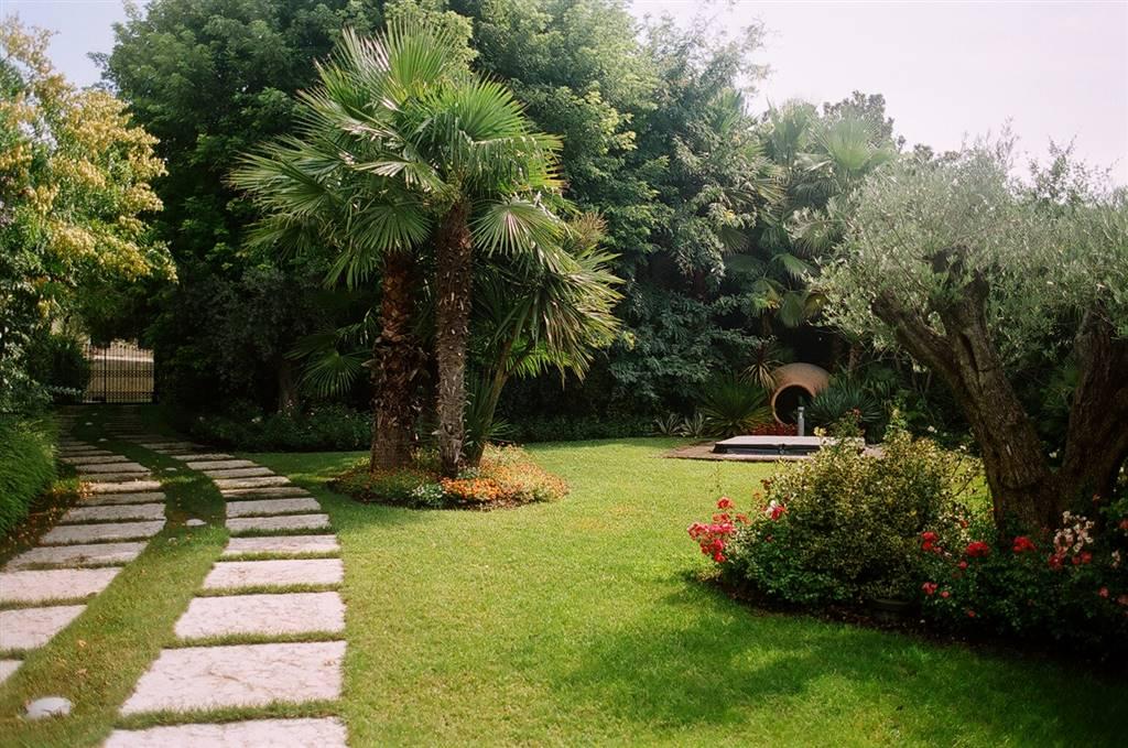 Villa, San Felice Del Benaco, in ottime condizioni