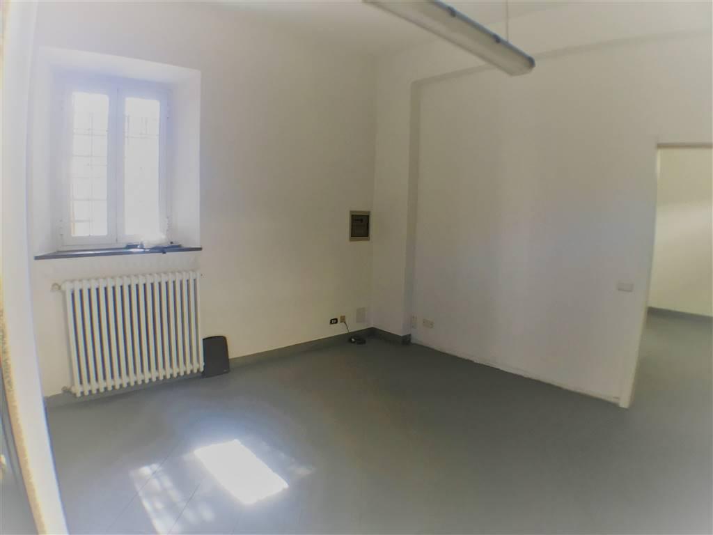 SIGNA, Ufficio in affitto di 50 Mq, Buone condizioni, Riscaldamento Autonomo, Classe energetica: G, Epi: 175 kwh/m3 anno, posto al piano Terra su 2,