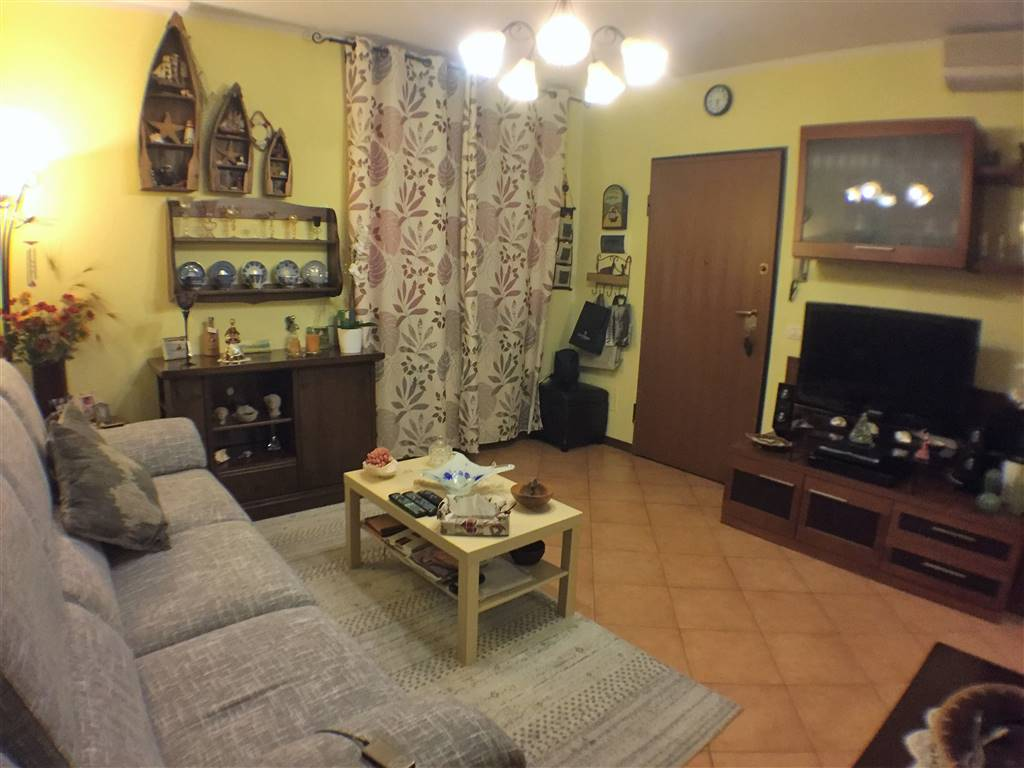 SAN DONNINO, CAMPI BISENZIO, Apartment for sale of 60 Sq. mt., Excellent Condition, Heating Individual heating system, Energetic class: G, Epi: 175