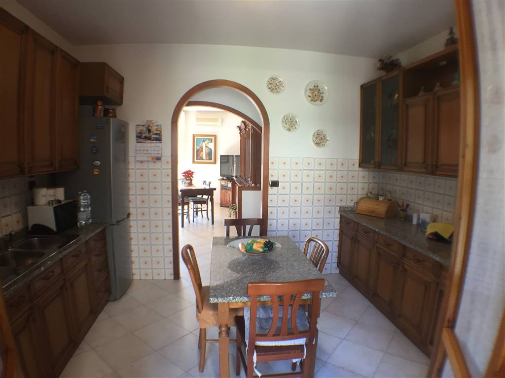 CROCIFISSO, SIGNA, Apartment for sale of 82 Sq. mt., Excellent Condition, Heating Individual heating system, Energetic class: G, Epi: 175 kwh/m2 year,