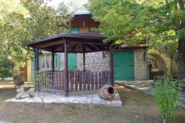 Villa in vendita a Passignano sul Trasimeno, 11 locali, zona Zona: Castel Rigone, prezzo € 349.000 | CambioCasa.it