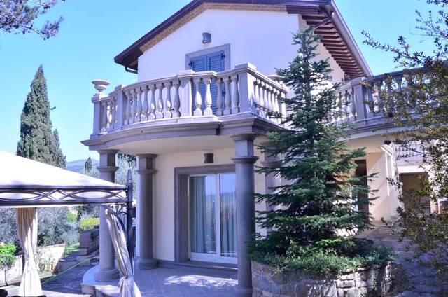 Villa in vendita a Passignano sul Trasimeno, 10 locali, prezzo € 1.199.000 | CambioCasa.it