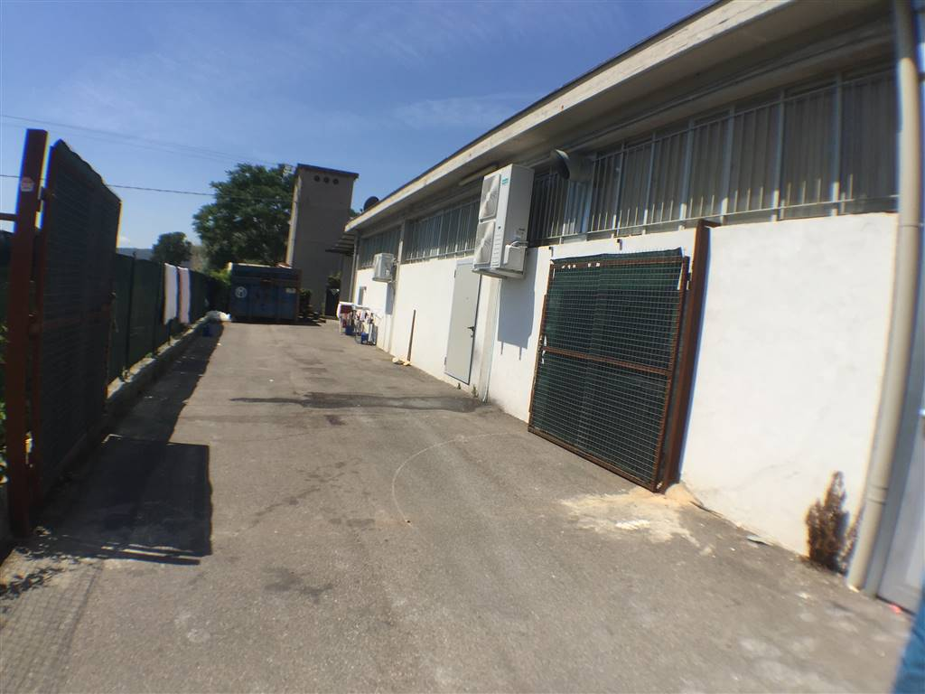 SANTANGELO A LECORE, SIGNA, Industrial warehouse for sale of 480 Sq. mt., Habitable, Energetic class: G, Epi: 75 kwh/m3 year, placed at Ground,