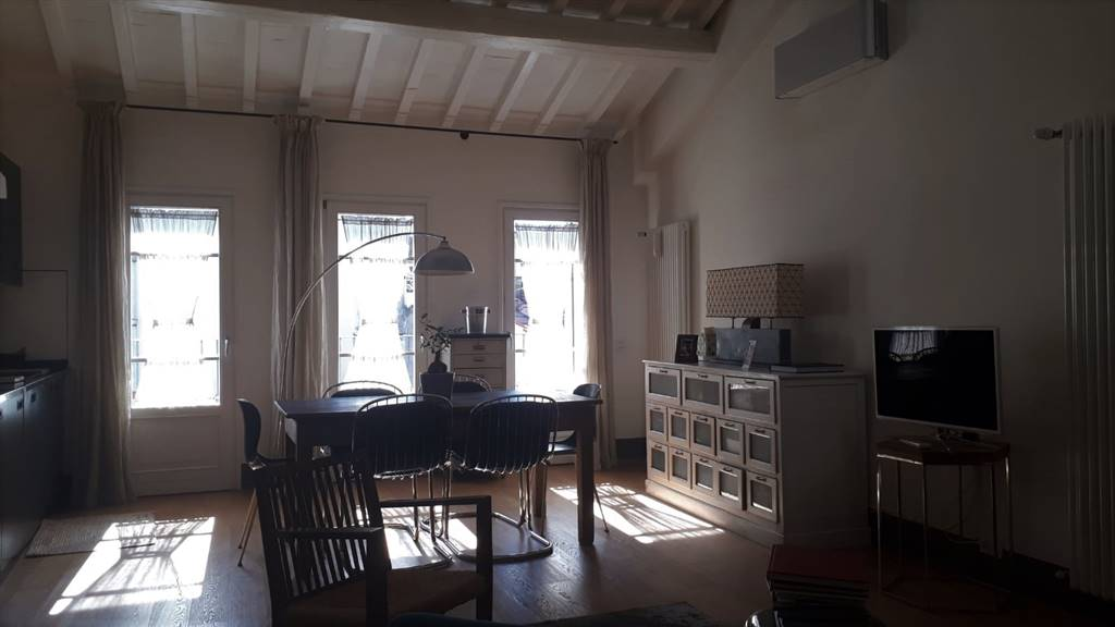 SAN FREDIANO, FIRENZE, Apartment for sale of 100 Sq. mt., Excellent Condition, Heating Individual heating system, Energetic class: F, placed at 2° on