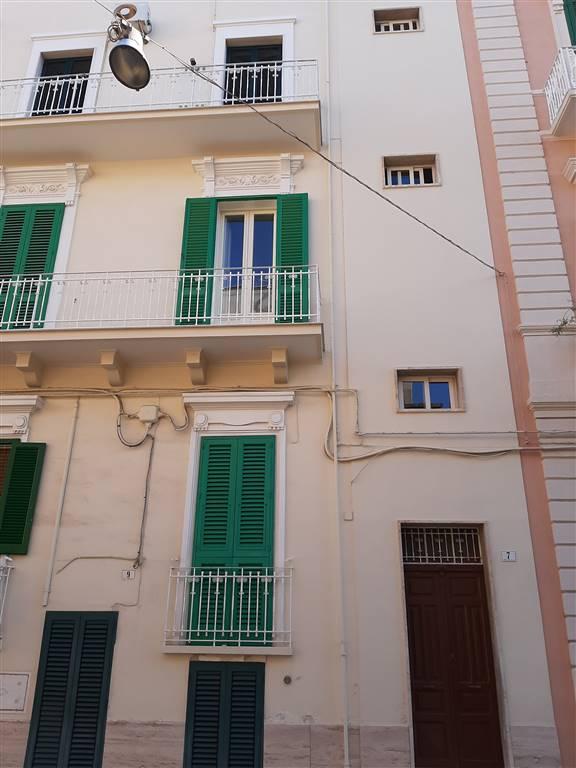 Appartamento in vendita a Monopoli, 5 locali, zona Località: CENTRO, prezzo € 170.000 | PortaleAgenzieImmobiliari.it