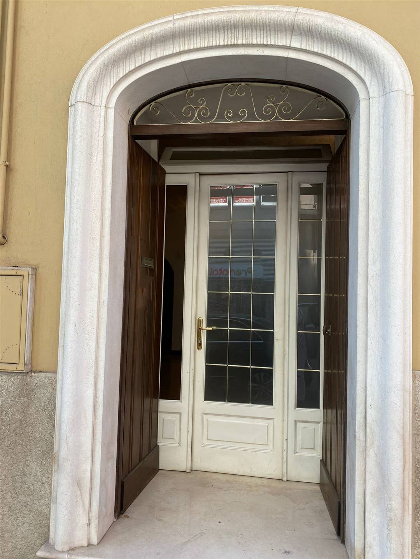 Immobile Commerciale in affitto a Monopoli, 1 locali, prezzo € 700 | CambioCasa.it