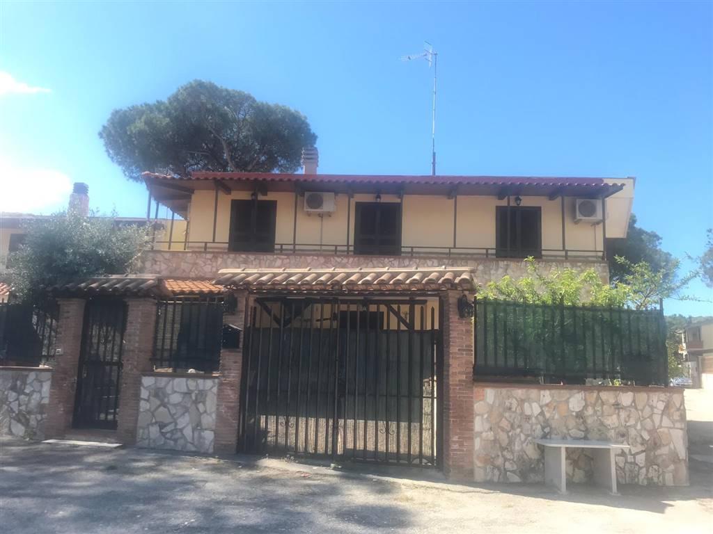 Villa, Castel Volturno, in ottime condizioni