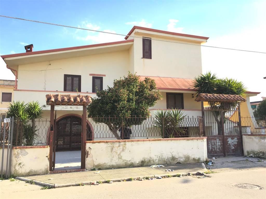 Villa, Ischitella Lido, Castel Volturno, abitabile