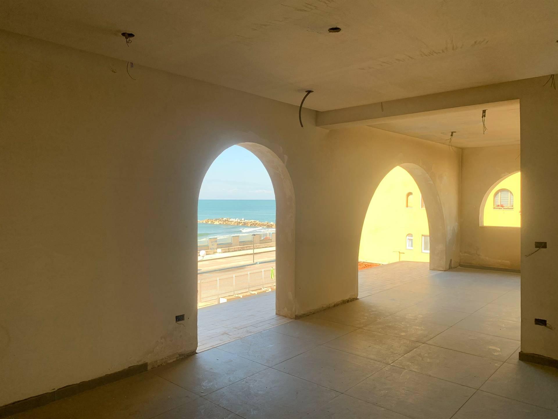 Appartamento in vendita a Castel Volturno, 4 locali, zona Zona: Villaggio Coppola Pinetamare, prezzo € 140.000 | CambioCasa.it