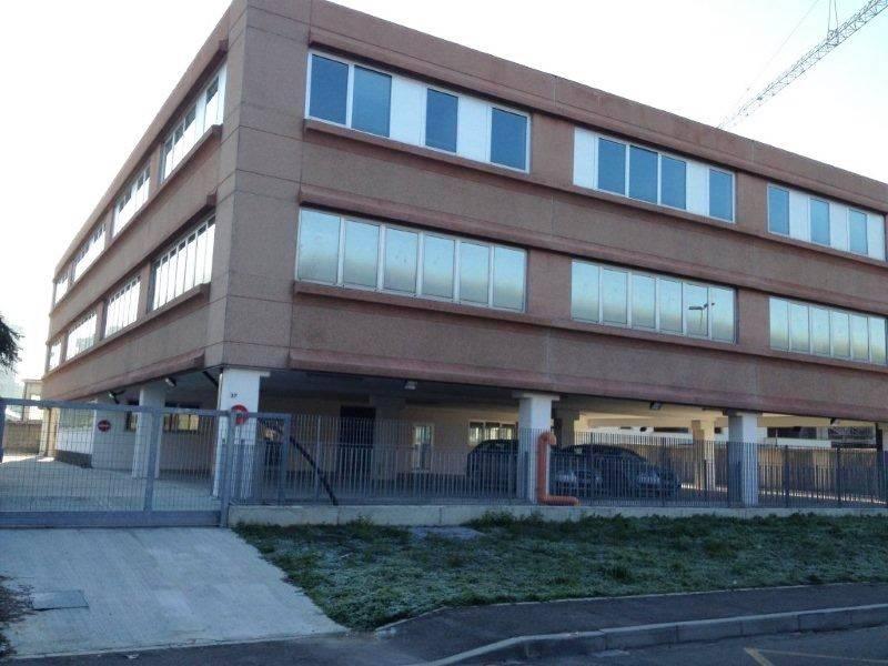 Ufficio / Studio in affitto a Trezzano sul Naviglio, 9999 locali, prezzo € 3.350 | CambioCasa.it