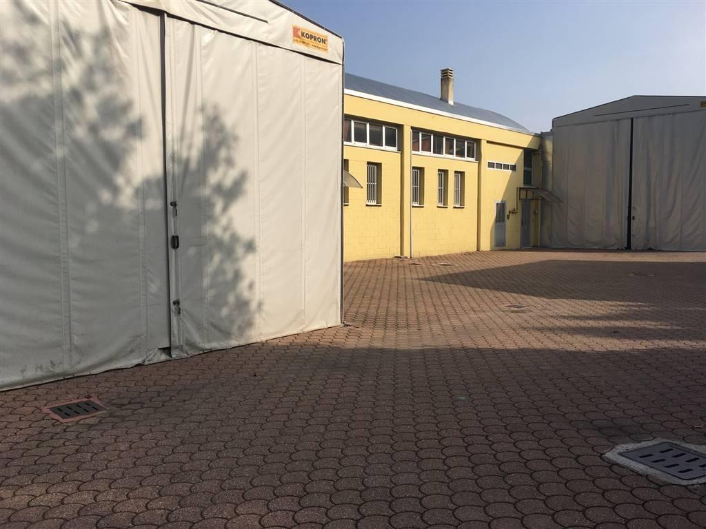 Capannone in vendita a Cernusco sul Naviglio, 9999 locali, prezzo € 1.150.000 | PortaleAgenzieImmobiliari.it