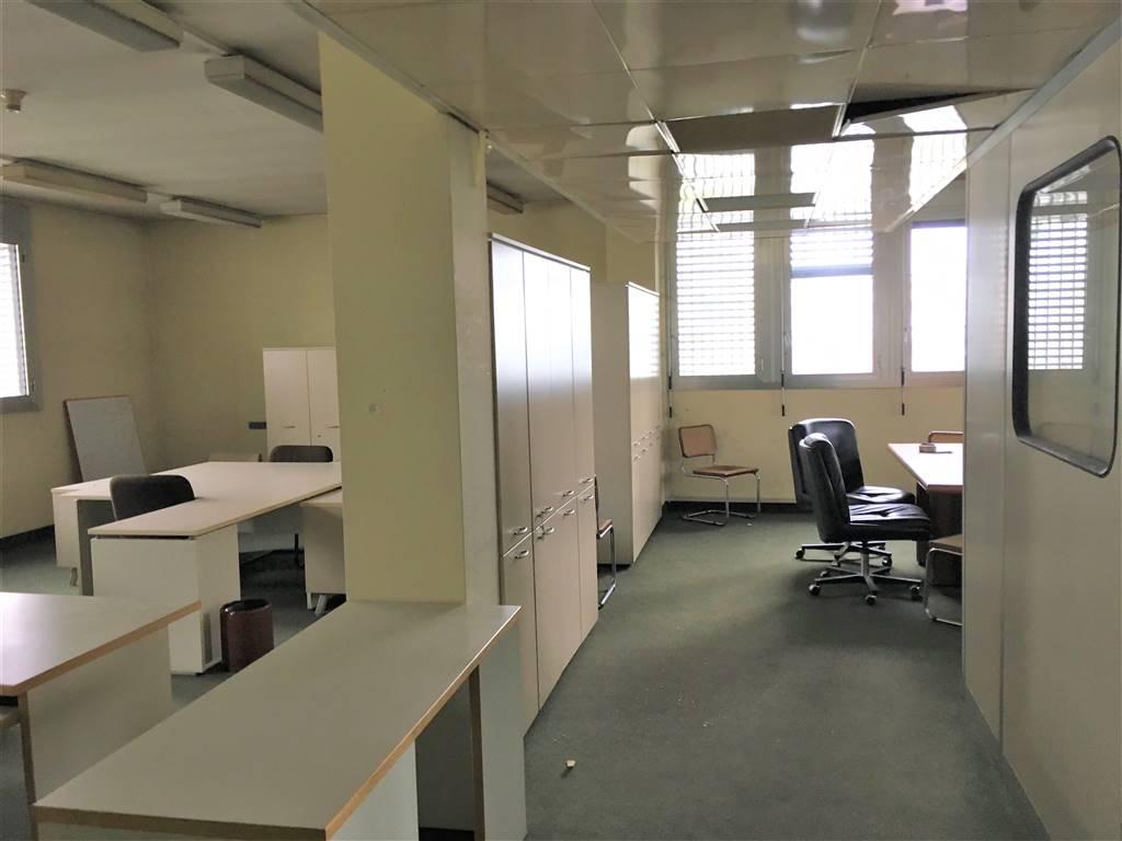 Ufficio / Studio in affitto a Cesano Boscone, 9999 locali, prezzo € 3.900 | PortaleAgenzieImmobiliari.it