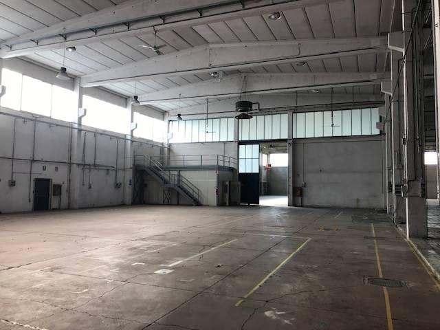Capannone in affitto a Vernate, 9999 locali, prezzo € 8.000 | PortaleAgenzieImmobiliari.it