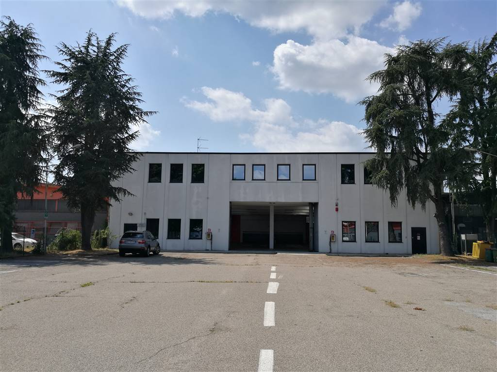 Capannone in vendita a Rozzano, 9999 locali, Trattative riservate | PortaleAgenzieImmobiliari.it