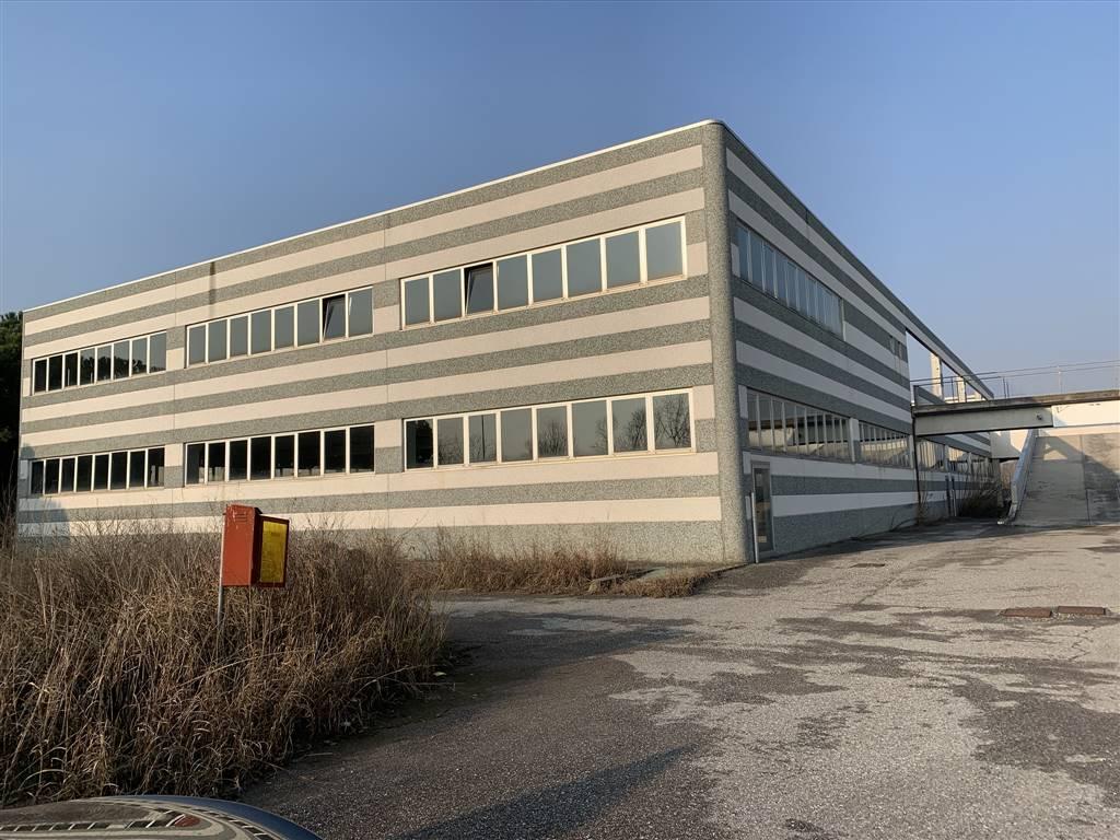 Capannone industriale a ARCENE