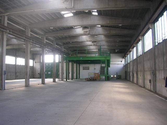 Industrial warehouse in ORNAGO