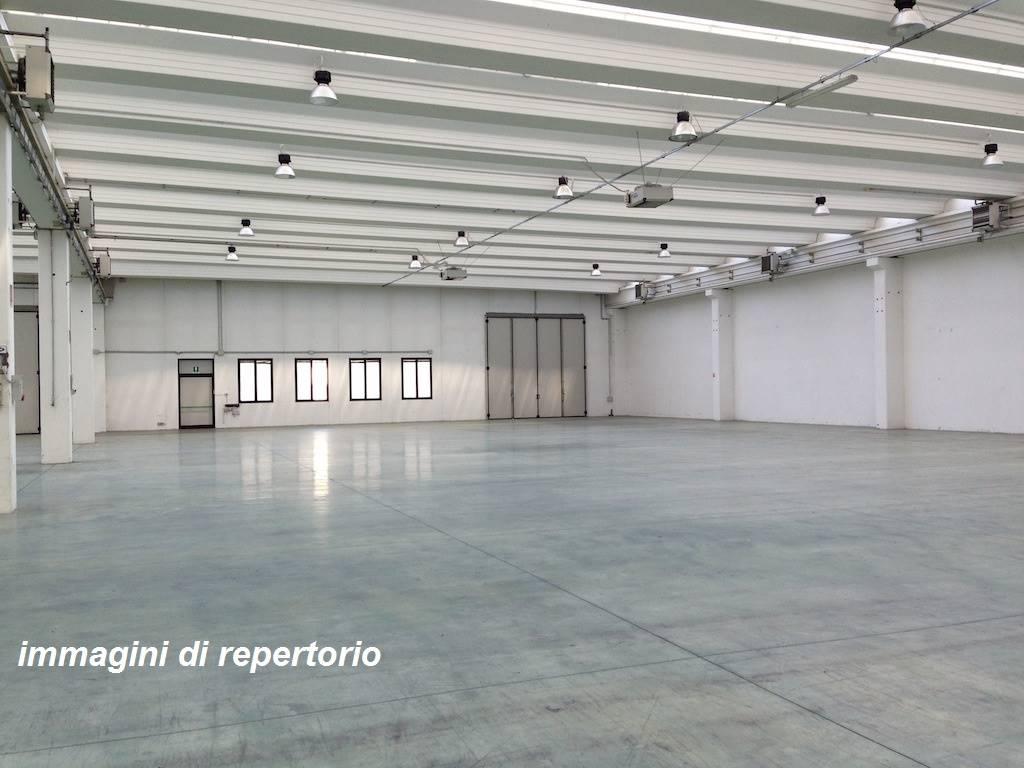 Capannone in affitto a Cusago, 9999 locali, prezzo € 7.500 | CambioCasa.it