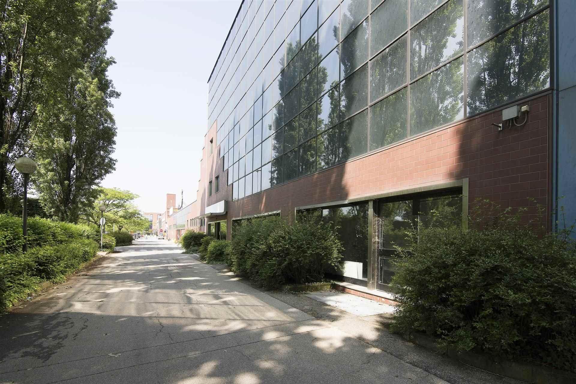 Ufficio / Studio in affitto a Gessate, 10 locali, prezzo € 15.800   CambioCasa.it