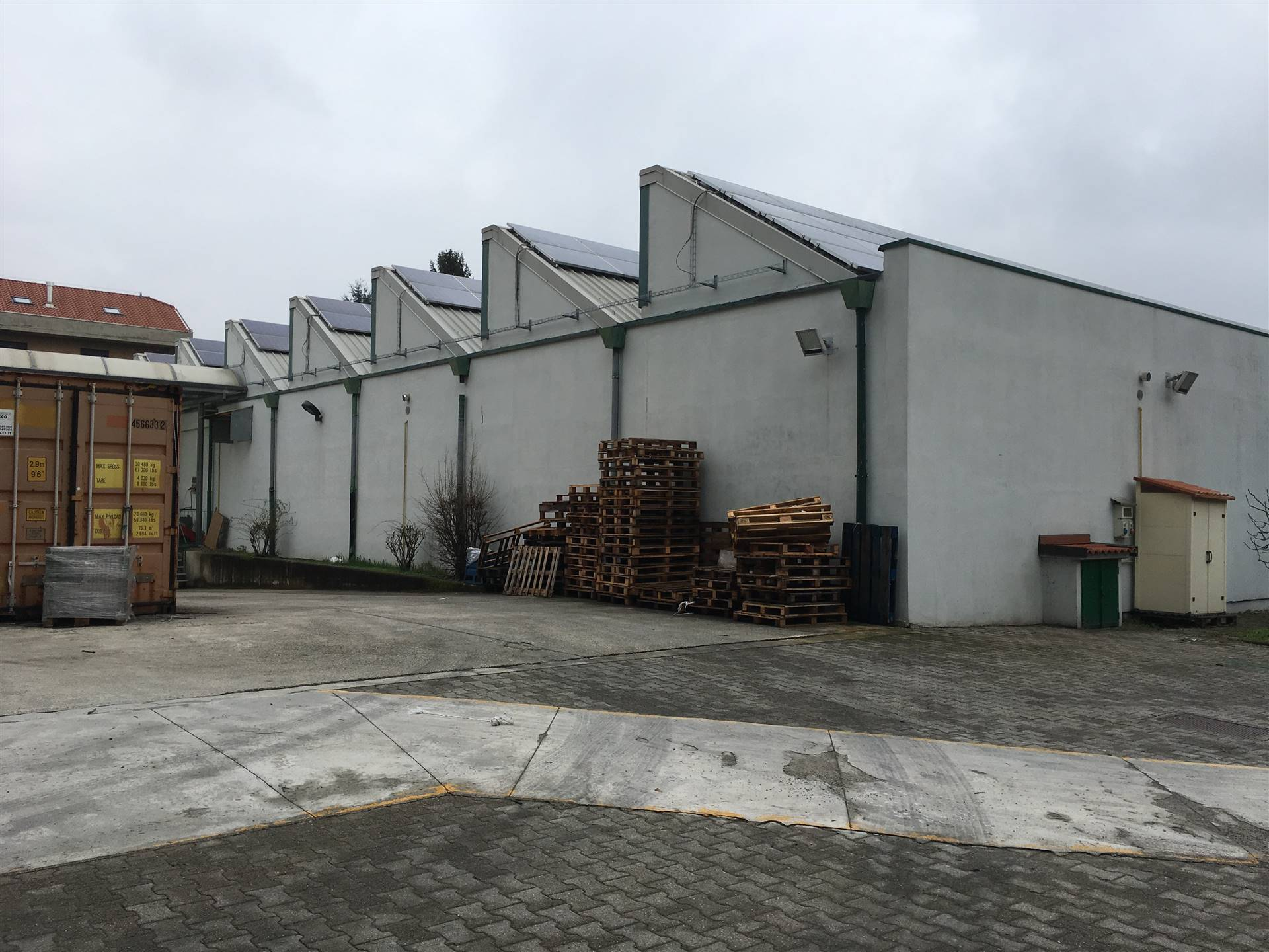 Capannone industriale a USMATE VELATE