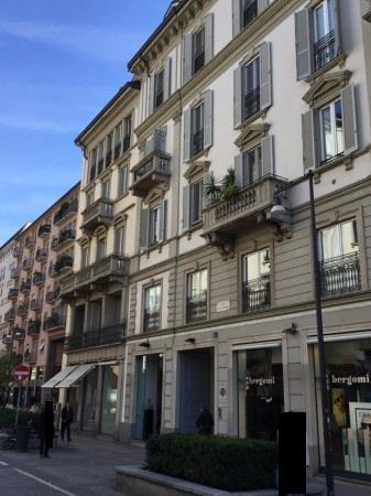Quadrilocale in Largo La Foppa 4, Milano