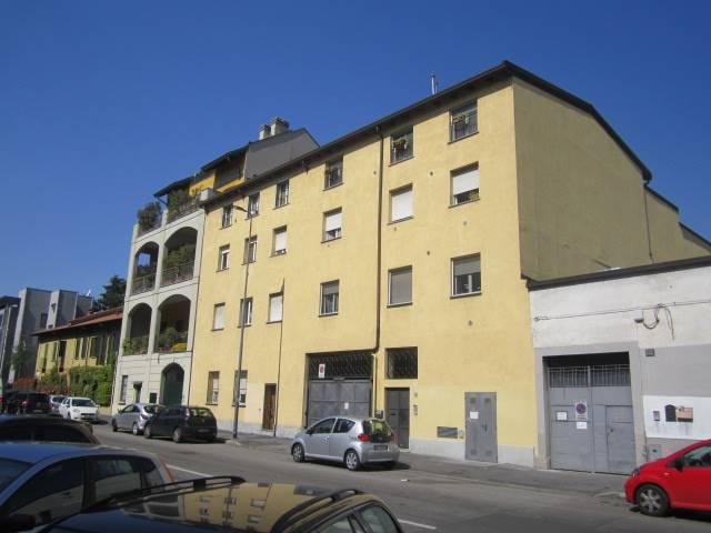 Monolocale in Via Simone Martini 29, Barona, Giambellino, Lorenteggio, Milano