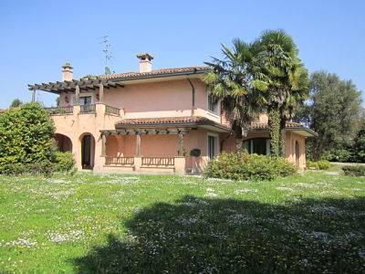 Villa in Via Delle Rimembranze 12, Lomazzo