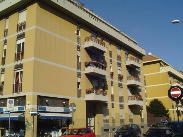 MONTENERO, MILANO, Appartamento in affitto di 110 Mq, Buone condizioni, Riscaldamento Centralizzato, Classe energetica: G, Epi: 235,6 kwh/m2 anno,