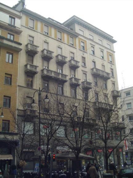 DUOMO, MILANO, Appartamento in affitto di 192 Mq, Buone condizioni, Riscaldamento Centralizzato, Classe energetica: E, Epi: 52,82 kwh/m2 anno, posto