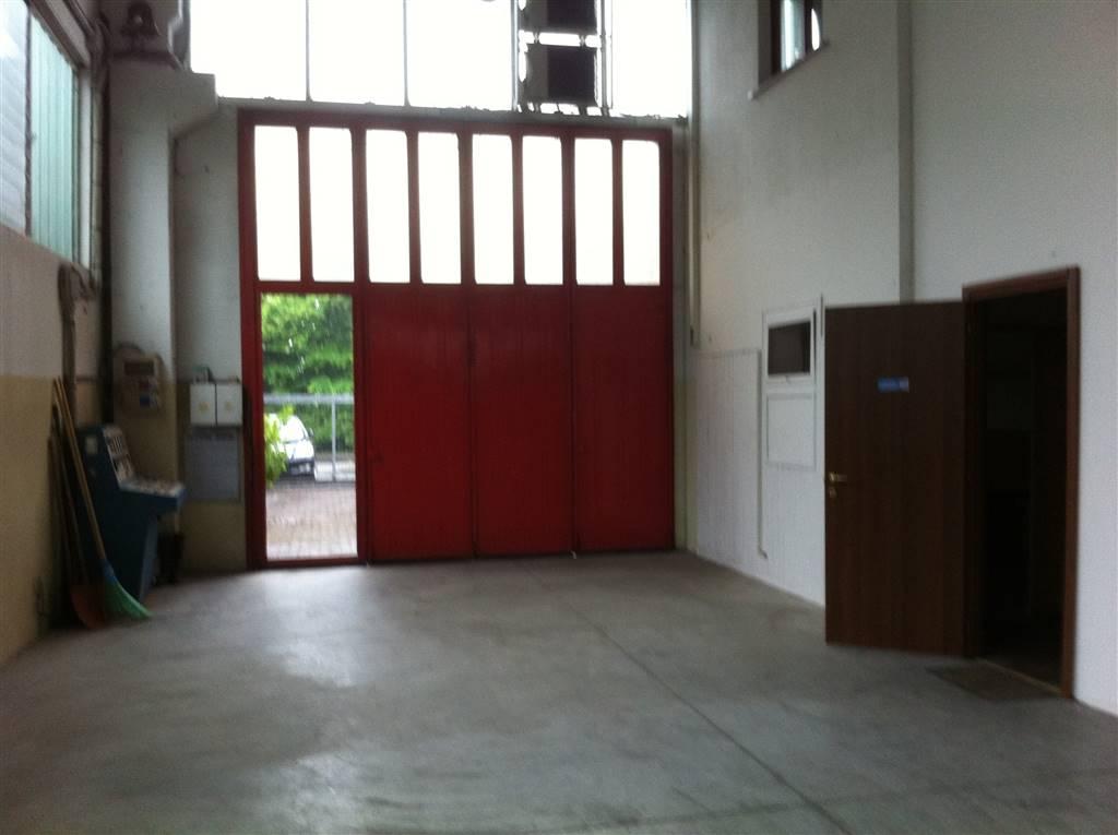 Capannone in vendita a Cassina de' Pecchi, 3 locali, prezzo € 350.000 | CambioCasa.it